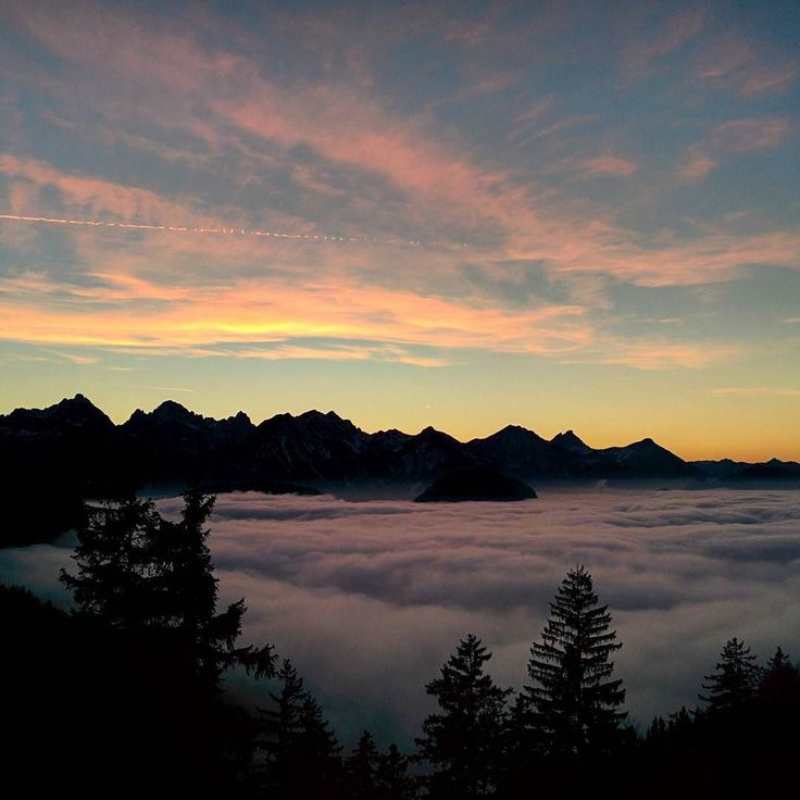 ...nature needs no filters  hiking in December is a treat I can't resist  #Bavaria #bayern #natureknowsbest #hike #wanderung #hiking #instanature #mountains #sunset #sonnenuntergang #warmcolours #naszlaku #zachódsłońca #clouds #seaofclouds #zmierzch #landscape