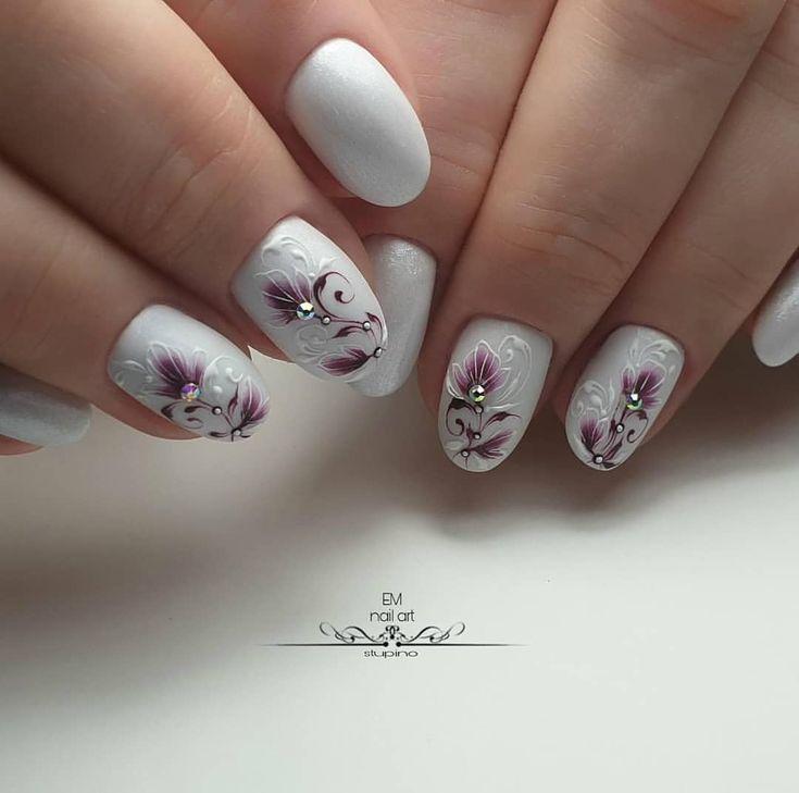 картинки ногтей с лилиями суждения