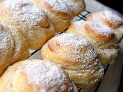 Mallorca Bread is sweet fluffy buttery egg bread