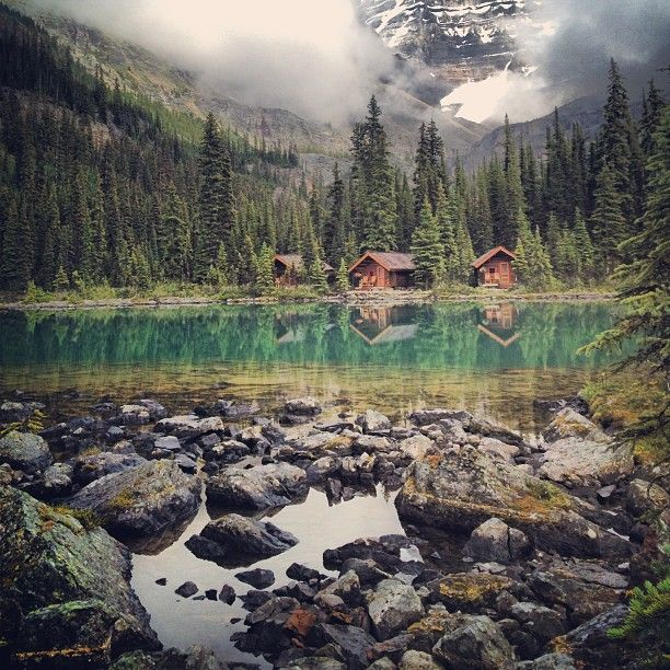 Weekend Cabin: Rentable lakeside jewels in the Canadian Rockies. http://www.adventure-journal.com/2013/12/weekend-cabin-lake-ohara-canada/