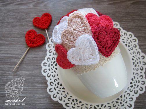 Valentine's day crochet heart  http://meskok.hu/termekek/horgolt/valentin-napi-szives-kaspo/