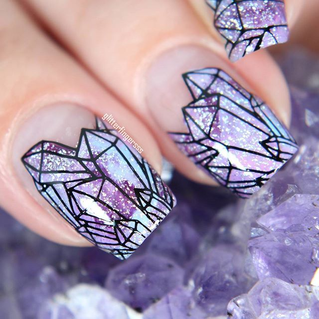 IN LOVEEEEE with @glitterfingersss cute crystal manicure featuring bundlmonster's newest stamping collection! #bundlemonster #bmc #masterthestamp  http://miascollection.com