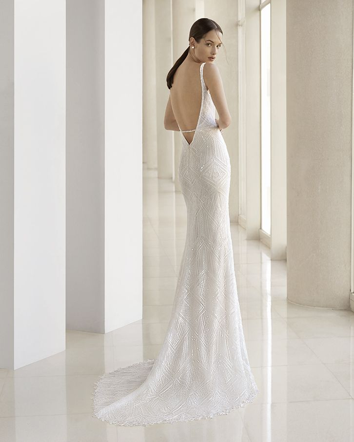 9f480efcb The perfect wedding dress for the ideal occasion. You'll leave everybody  speechless in