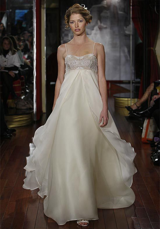 Flowy Wedding Dress That Fairytale Day Pinterest