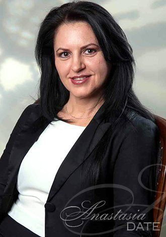 Absolutely stunning women: Yana, single Russian woman exciting companionship