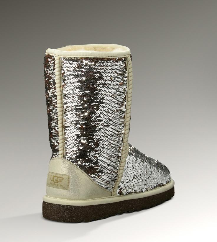 ... short sheepskin cuff boot. ugg classic