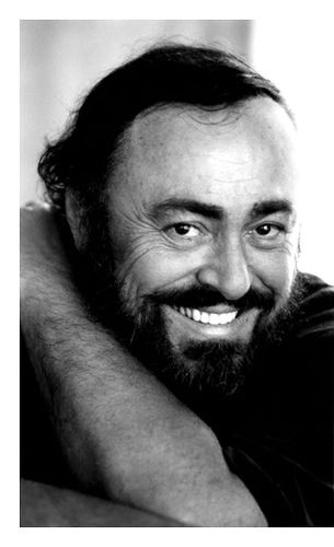 Luciano Pavarotti:  My absolute favorite voice!  In our lifetime there will be no one to ever come close.  I am a huge fan of this voice that mesmerizes me every time I hear it. Grazie, Maestro per aver condiviso la tua voc.