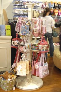 Retail Store Fixtures - Shabby Chic - Display Fixtures - Misc. Display 1 Craft show display Easy DIY from easy inexpensive finds from the hardware store or things you may have at the house