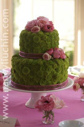Cake floral centerpiece is a beautiful idea for dinning room table!