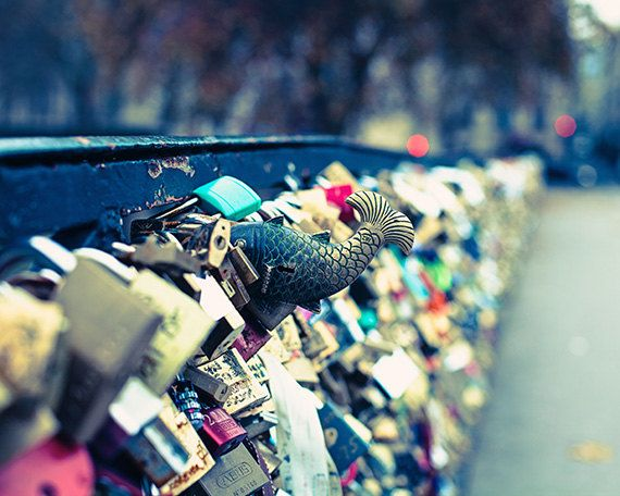 Paris Photography: The famous Pon de l' Archeveche where you can lock away a decret and toss the key into the Seine. I want to go there someday!
