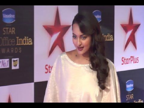 Sonakshi Sinha at the red carpet of Star Box office India Awards 2014.
