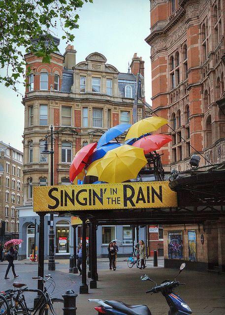 London Palace Theatre, Cambridge Circus