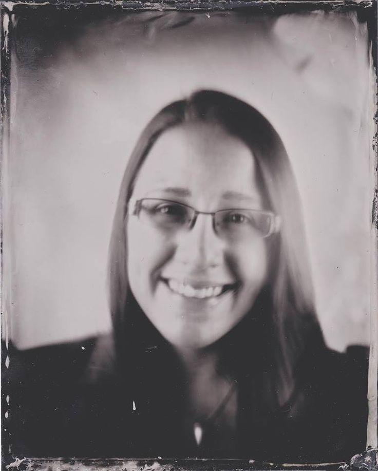 One of our workers got her picture taken by photographer Annabelle Antas, by using the wetplate method. #EKTAMuseumcenter #Ekenäs #Tammisaari #Raseborg #Raasepori #museum #Museo #wetplate #photograph