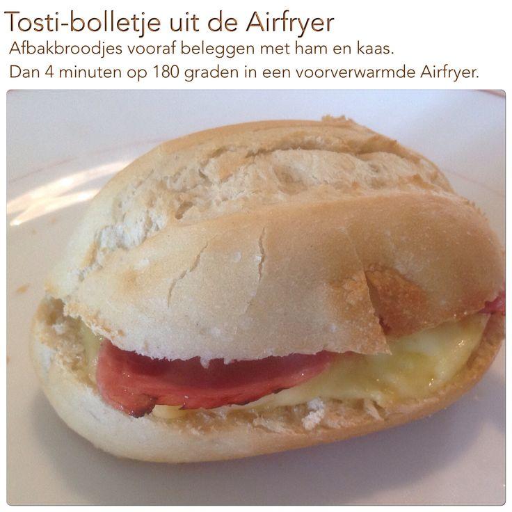 Tosti-bolletje uit de Airfryer. 4 minuten op 180 graden. AK