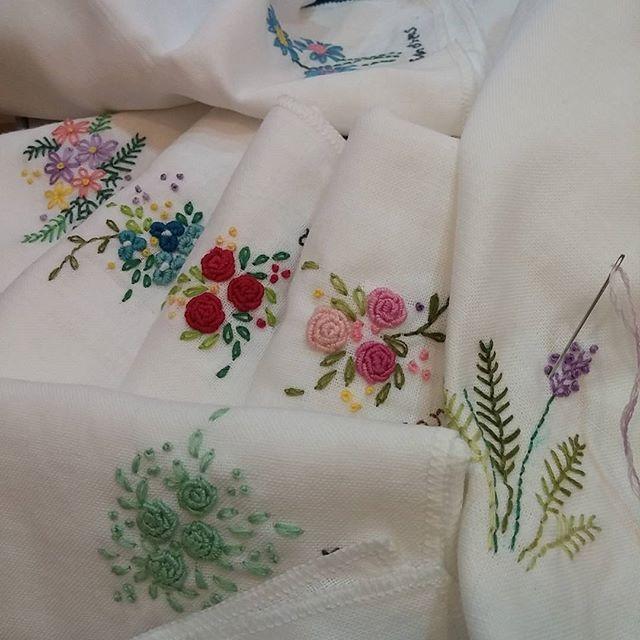 #Embroidery#stitch#needlework #프랑스자수#자수#일산프랑스자수 #하얀손수건에 꽃수~~