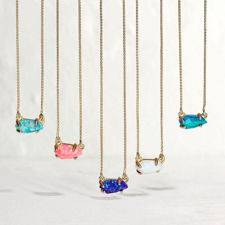 Jayde Pendant Necklace in Kyocera Opal - Kendra Scott Jewelry