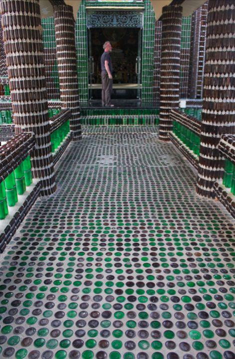Temple de Khun Han en bouteilles de bière ! :)
