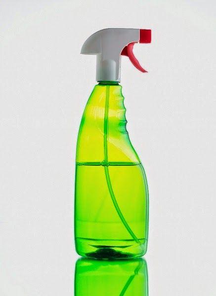 Acqua da stiro ammorbidente fai da te al profumo di primavera | vivere verde