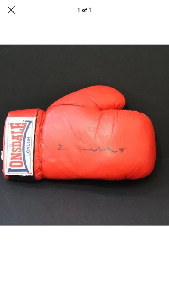 Chris Eubank Hand Signed Red Boxing Glove With c o a  | eBay