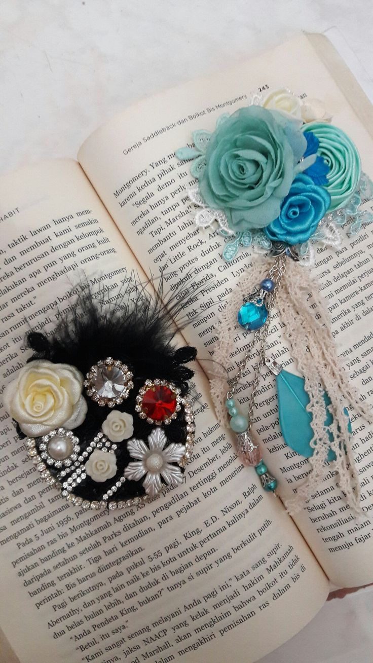 Brooch lace shabby corsage