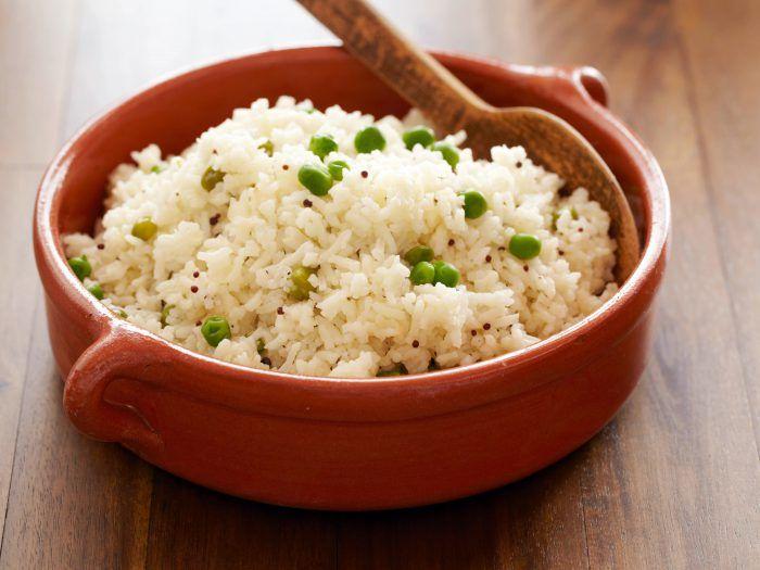 Ai gătit orezul GREŞIT până acum! Iată la ce riscuri te expui