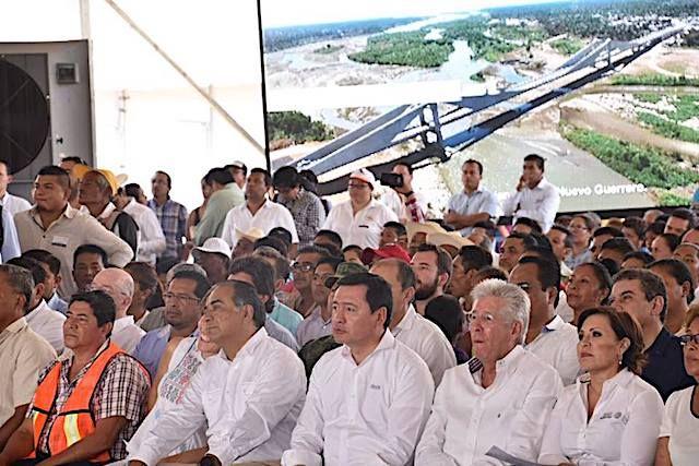 """Héctor Astudillo inaugura el puente """"Barra Vieja-Las Lomas, Guerrero - http://www.notimundo.com.mx/acapulco/astudillo-barra-vieja-las-lomas-guerrero/"""