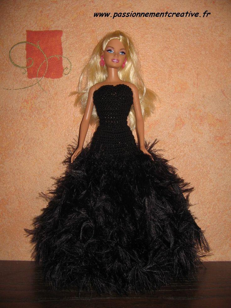 Il y a quelques jours, je vous présentais ma 2ème tenue pour Barbie à l'occasion du défi de Pipiou, Barbie So Chic. Aujourd'hui, je vous propose le tuto. Pour obtenir les explications au crochet de ce modèle, un simple commentaire sur cet article et vous...