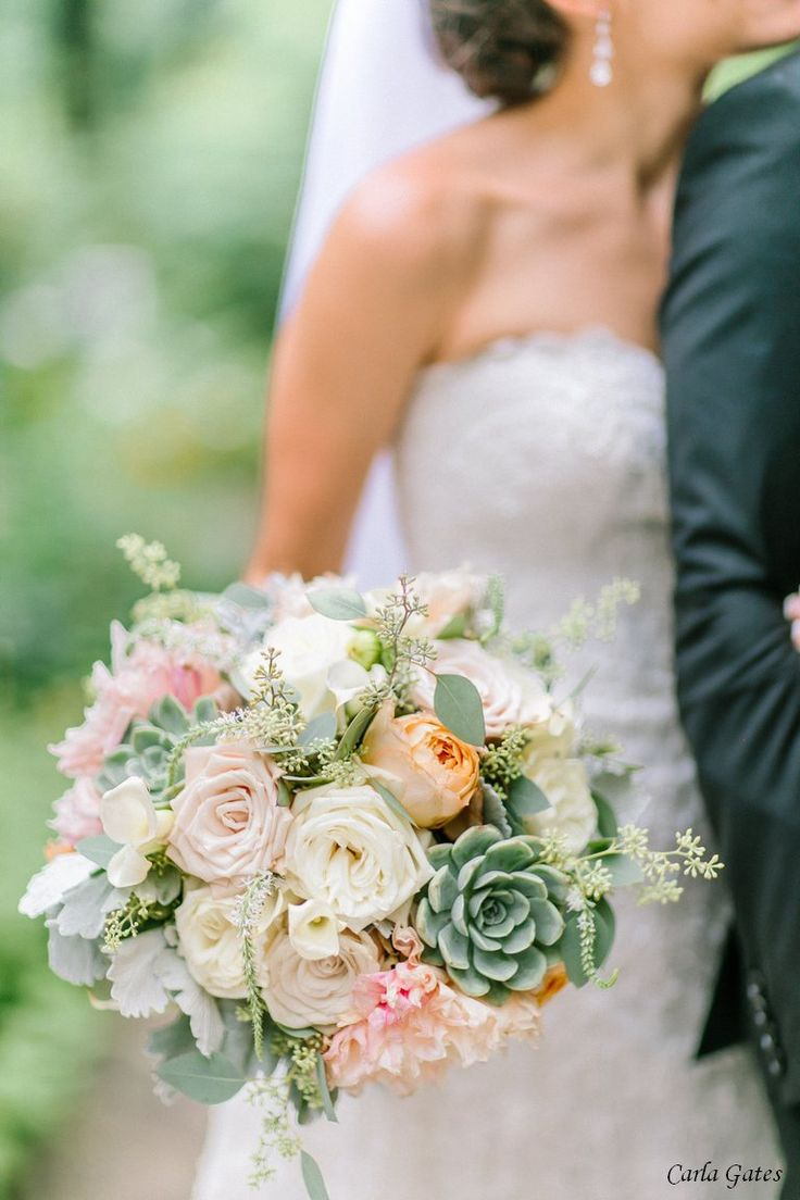 gardenia floral design | champagne dahlias, sage green succulents, roses, and dusty miller