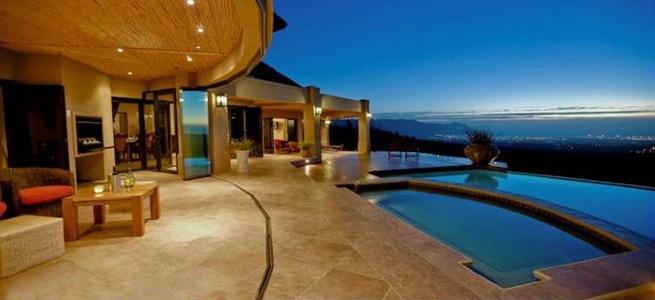 Fantastic Bezweni Lodge South Africa Contact Marinda 0829554725 marinda@sou.ms