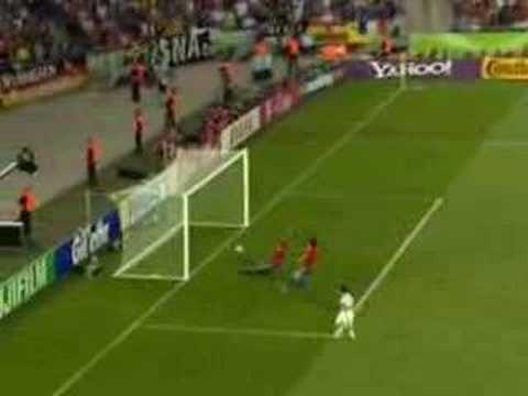 FRANCIA-ESPAÑA, MUNDIAL 2006. Cuando juegan ambas selecciones tengo el corazón dividido. Aunque desde lo de Arconada en la final de la eurocopa 84, me tira ir más con Francia ;-)