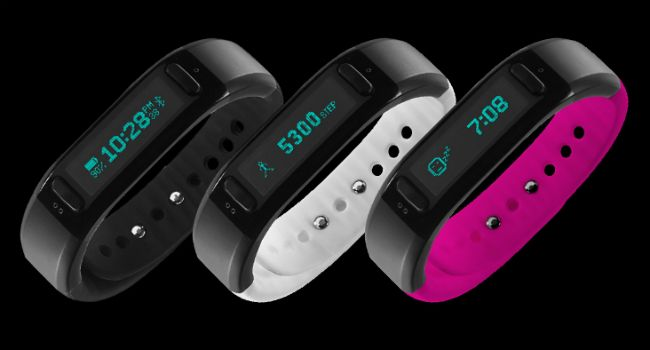 Soleus Go Activity Tracker. Set goals for sleep, steps, exercise, calories burned, and distance, all with a touch of a button. See your results daily, weekly, and monthly so you can reach your goals and stay on track with your fitness regimen.