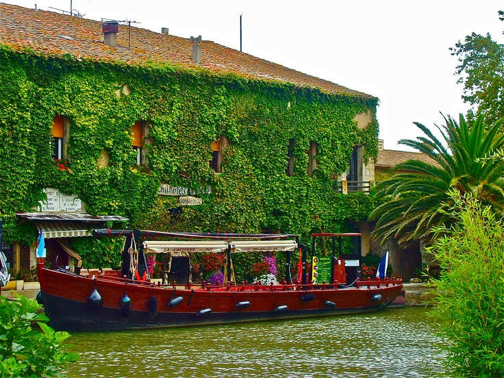 Floating cafe on the Canal du Midi, France