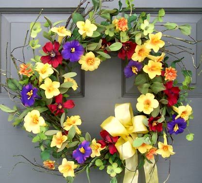 Summer Trumpet Flower Wreath - Creative Decorations by Ridgewood Designs