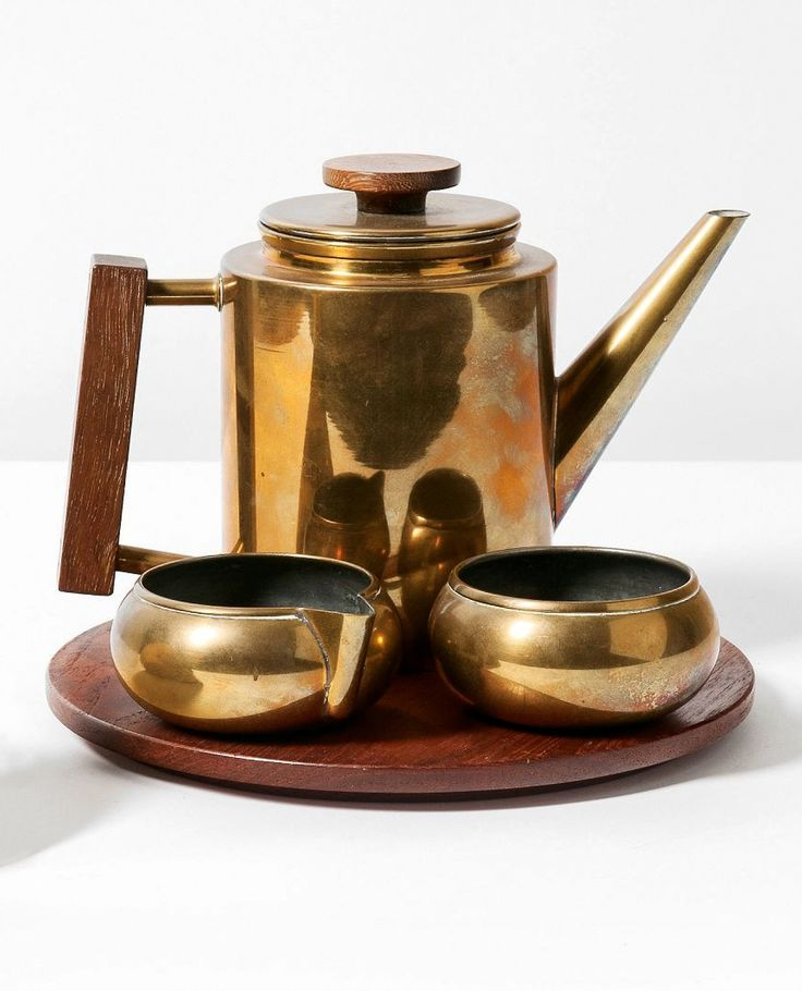 MAIJA HEIKINHEIMO (Finnish, 1908-1963), a rare coffee set manufactured by Artk Oy, Finland, 1940. Material copper and teak. / PBA