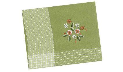 Mantel Bordado Verde. Visítanos en tuakiti.com #mantel #tablecloth #decoracion #homedecor #hogar #home #comedor #diningroom #bordado #embroidery #tuakiti