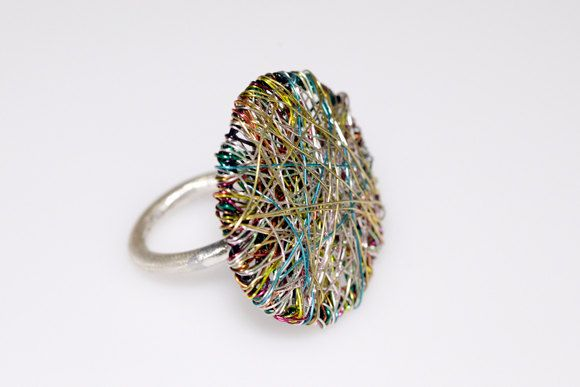 Round ring, wire geometric ring, green ring, art ring, modern minimalist ring, contemporary, statement ring, Christmas gift, women's gift  Handmade round wire art ring, made of colored copper wire and silver. The overall size of the geometric modern minimalist, statement ring is 3cm (1.18in). The base of the contemporary jewelry, unusual women's gift is silver 925. The ring is available with an adjustable base.