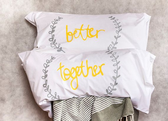 Contemporary Wedding Gifts: 25+ Best Ideas About 4th Wedding Anniversary Gift On