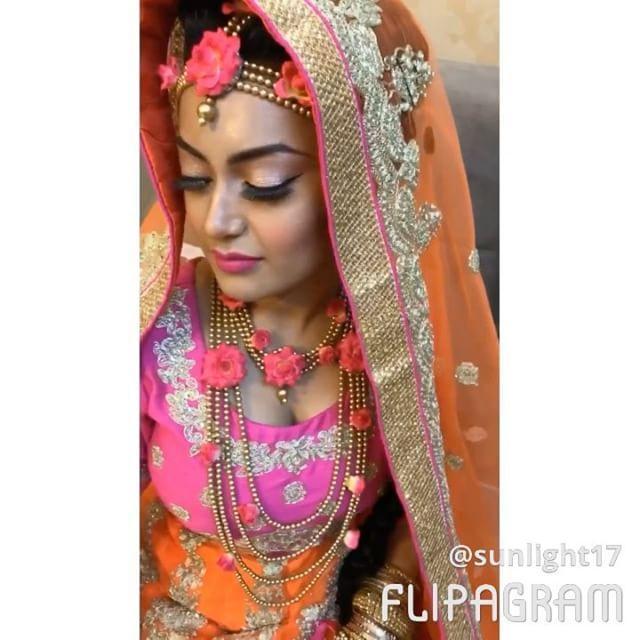 """That smile ❤️️ . . . .  For more info www.facebook.com/kanizMakeover . . . . .  #motd #makeupart #makeupbyme #makeuplover #makeupaddict #makeupjunkie #makeupartistry #makeupobsessed #makeuptransformation #bengalibride #bengaliwedding #bengali #desi #desibride #desiwedding #asianwedding #asianbride  #nofilter #anastasiabeverlyhills #weddingphotography"" by @kanizorchi. #eventplanner #weddingdesign #невеста #brides #свадьба #junebugweddings #greenweddingshoes #destinationweddingphotographer…"