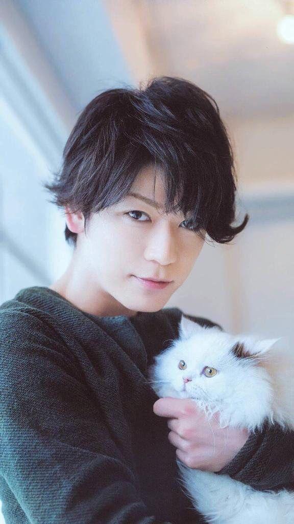 Kamenashi Kazuya + cat