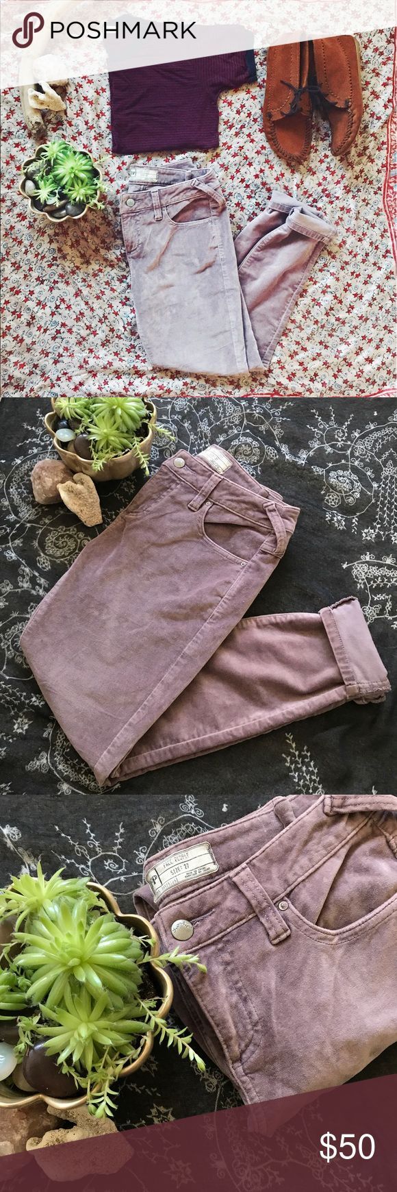 ☀️1 HOUR SALE☀️-Free People Corduroy Skinny Jeans- -Free People Corduroy Skinny Jeans-Dusty Purple-Size 27-Waist: 14 in Leg Length: 27 in. They feel amazing on! ✌️ Free People Jeans Skinny