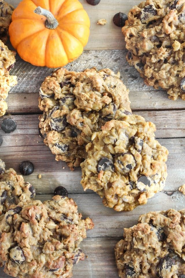 Recipe: Pumpkin Oatmeal Chocolate Chip Cookies — 5 Festive Pumpkin Recipes from Nealey Dozier | The Kitchn