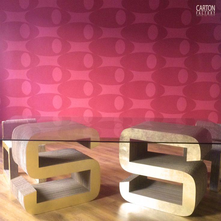 Arredamento in cartone riciclato realizzato su progetto. Tavolo con iniziali aziendali e sedie Hook, disegnate dalla Designer toscana Sara Casati.  #cardboard #furniture #ecodesign #cartonfactory #design #cartone
