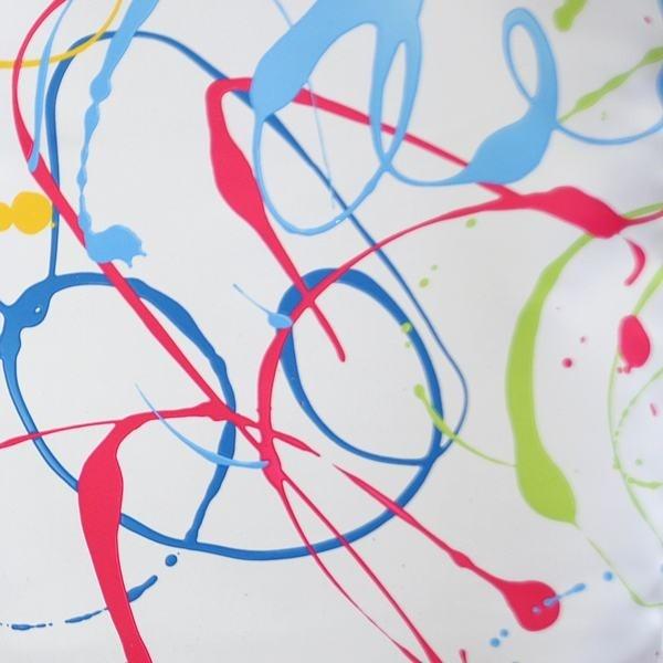 Tissu occultant ignifugé Graphic Art  Vous n'osiez pas faire de l'art graphique sur vos tissus ?  Le Quartier des Tissus vous a trouvé ce tissu occultant ignifugé Graphic Art qui reprend les procédés techniques du graffiti pour une déco conceptuelle et visuelle !