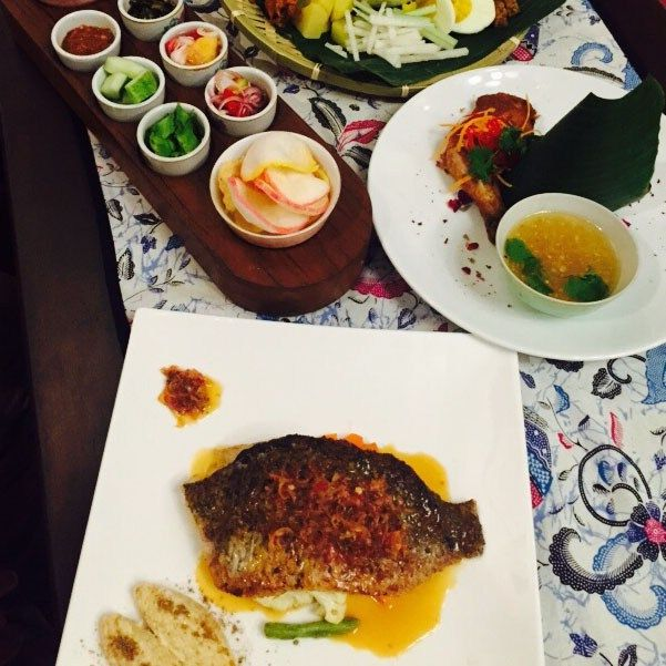 Lagenda Cafe Penang Serves Halal Malay Cuisine With A Twist Cuisine Malaysian Food Food
