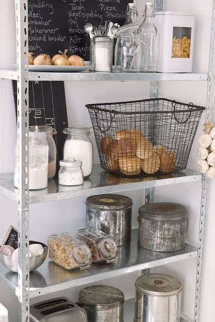 Decorating with Baskets - The Cottage Market