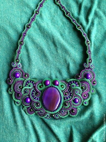 Enigma - тёмно-фиолетовый,зеленый,агат натуральный,сутаж,колье с камнями