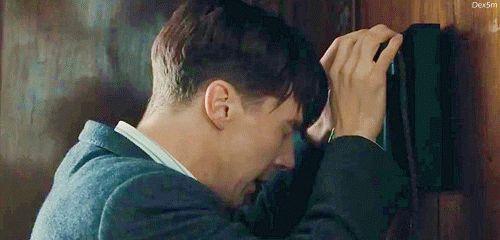 """Alan Turing, matematico inglese e indiscusso padre dell'informatica, è il protagonista del film """"The Imitation Game"""", interpretato dal sensibile ed espressivo Benedict Cumberbatch, che con il suo sguardo sfuggente e una strana luce negli occhi, riesce a rappresentare splendidamente la misteriosa personalità dei geni."""