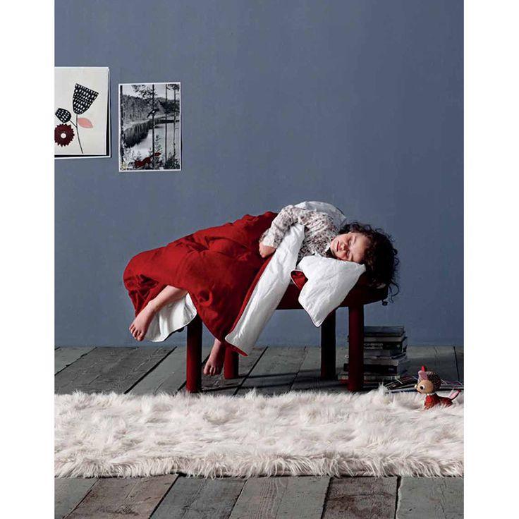 Pouf con Coperta Collerette Casamania -> http://arclickdesign.com/pouf-poggiapiedi-con-avvolgente-e-calda-coperta-per-il-vostro-relax-di-tutti-i-giorni-collerette-di-casamania/