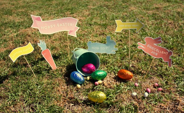 Easter Egg Hunt Printables... Simply print and cut out, then pop on some skewers and scatter around the garden!