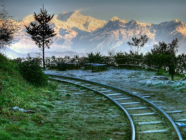 Darjeeling, India, West Bengal. The district is bounded on the north by Sikkim, on the south by Kishanganj district of Bihar state, on the east by Jalpaiguri district and on the west by Nepal.